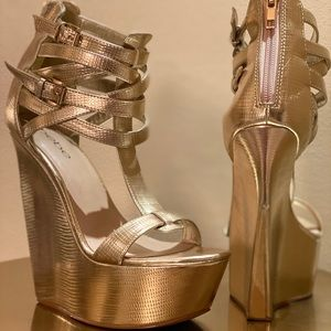 Bebe Gold  Wedges /style name:blairre